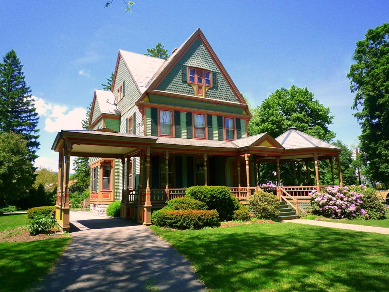 Victorian architecture historic phoenix districts for Victorian colonial homes