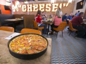 lou malnatis,pizza,phoenix,camelback,uptown