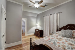 bedroom,historic,phoenix,remodeled,real,estate,neighborhood,area